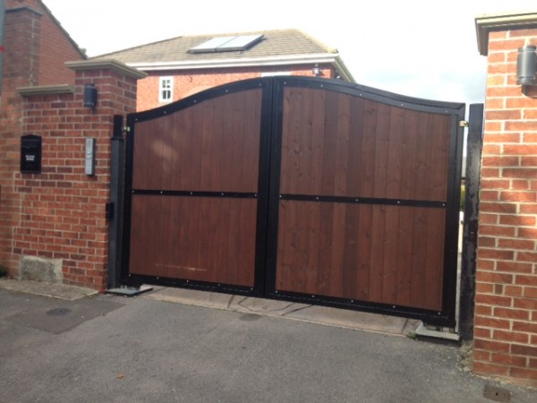 automated steel framed timber swing gates